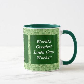 Taza del trabajador del cuidado del césped
