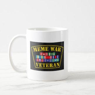 Taza del veterinario de la guerra de Meme