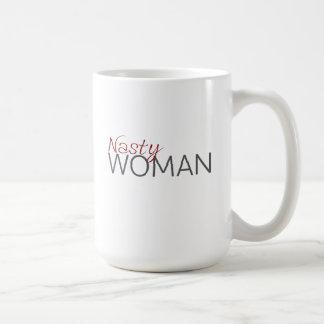 Taza desagradable de la mujer