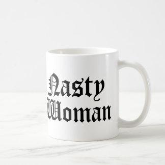Taza desagradable de la taza de la mujer