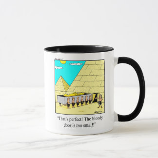Taza divertida del humor de las pirámides de la
