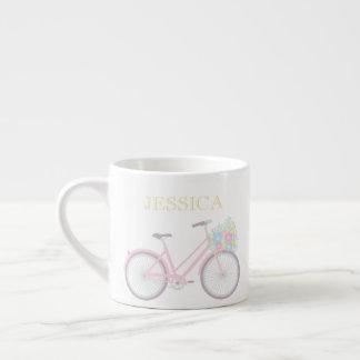 Taza en colores pastel linda del café express de