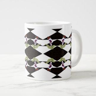Taza enorme de la taza de café del lirio blanco y
