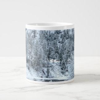"""Taza enorme """"día de invierno en Yellowstone """""""