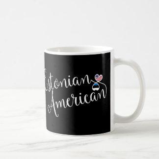 Taza entrelazada americano estonio de los