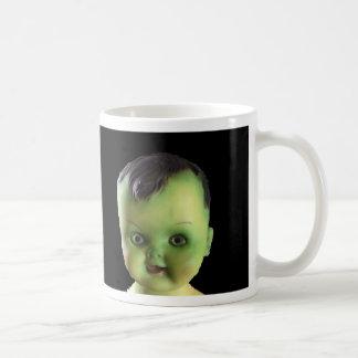 Taza espeluznante del bebé