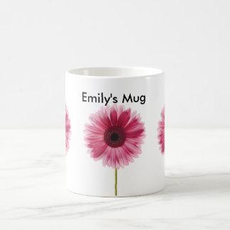 Taza floral blanca y rosada