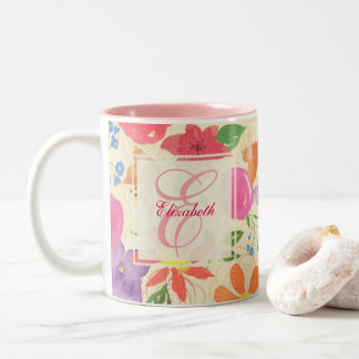 Taza floral bonita del monograma