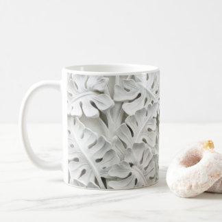Taza floral del alivio del yeso blanco