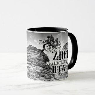 Taza Foto blanco y negro del árbol de los bonsais de