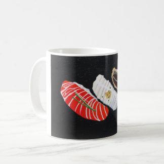 Taza gráfica del té o de café del sushi