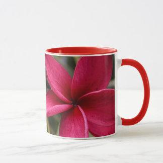 Taza hawaiana de la flor
