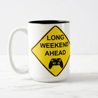 Taza larga del fin de semana a continuación