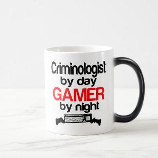 Taza Mágica Criminalista por videojugador del día por noche