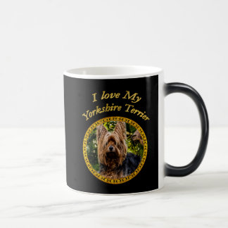 Taza Mágica Perro dulce del terrier de Yorkshire pequeño