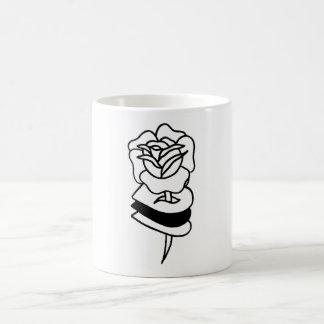 Taza muerta de los rosas de //