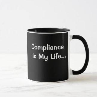 Taza Oficina divertida que dice - la conformidad es mi