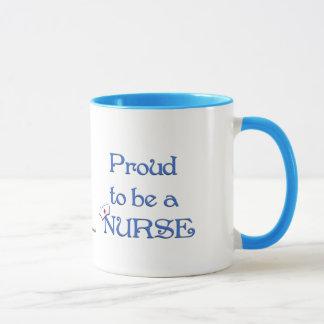 Taza Orgulloso ser una enfermera/con el casquillo