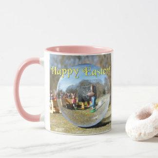 Taza ¡Pascua feliz! Escuela 02.0.T del conejito de