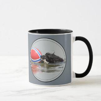 Taza Perro de agua portugués con la bola de la boya