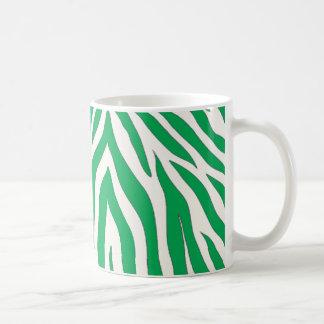 Taza rayada de la cebra verde