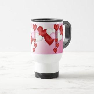 Taza romántica de la decoración del corazón