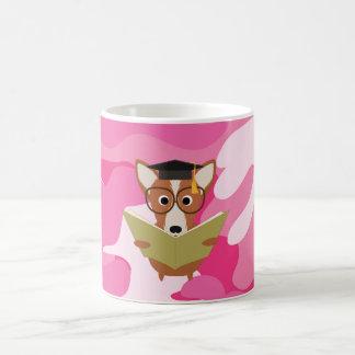 Taza De Café Taza rosada del perro del estudio de Camo