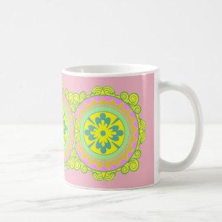 Taza rosada del vintage