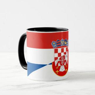 Taza símbolo del país de la bandera de Serbia Croacia