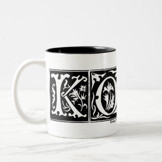 Taza vieja adaptable KORA del nombre de letras