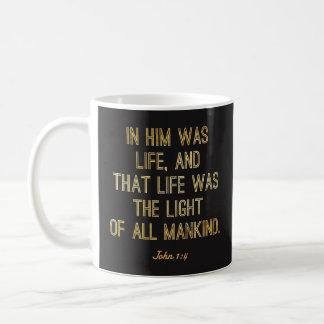 """Tazas cristianas - """"en él era la biblia del 1:4 de"""