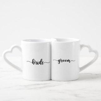 Tazas de café a juego de la novia de la escritura