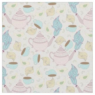 Tazas de té de las teteras y modelo en colores telas