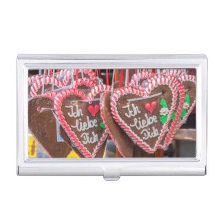 Te amo corazones del pan de jengibre en el día de cajas de tarjetas de presentación