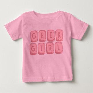 Teclado del rosa del chica del friki camiseta de bebé