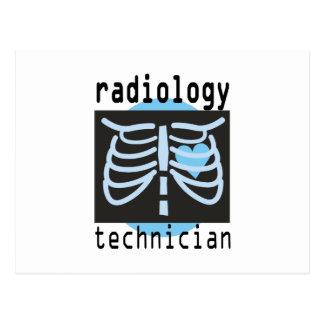 Técnico de la radiología postal