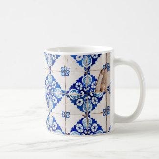 teja vieja de Portugal de la decoración azul de Taza Clásica