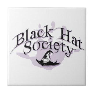 Tejas de la sociedad del gorra negro