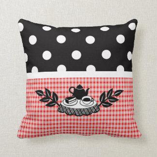Tela escocesa y lunares retros para los amantes de almohadas