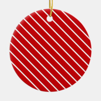 Telas a rayas diagonales - de color rojo oscuro y adorno redondo de cerámica