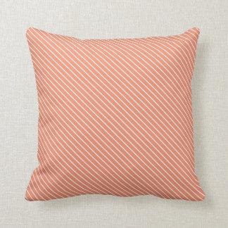 Telas a rayas diagonales - naranja coralino y cojín