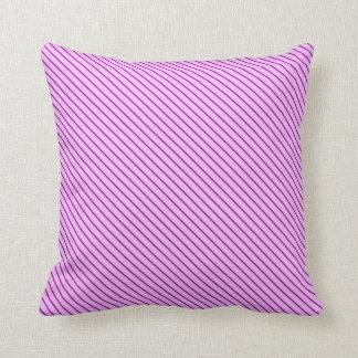 Telas a rayas diagonales - orquídea y púrpura cojín
