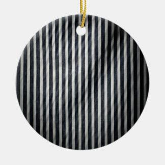 Telas a rayas verticales flacas blancas y negras adorno redondo de cerámica