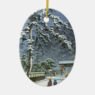 Templo de Honmonji en la nieve - 川瀬巴水 de Kawase Adorno Navideño Ovalado De Cerámica
