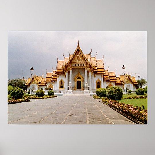 Templo de mármol del oro sobre el poster del león póster