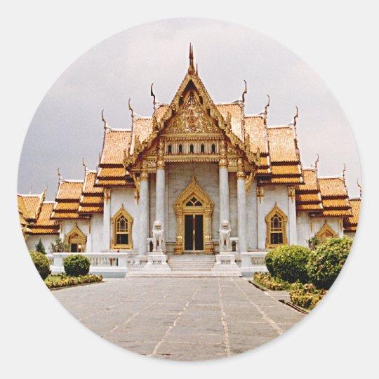 Templo de mármol del oro sobre etiqueta del