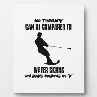 Tender diseños del esquí acuático placa expositora