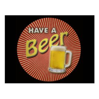 ¡Tenga una cerveza! Postal