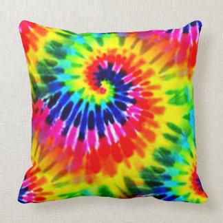 Teñido anudado del arco iris almohada