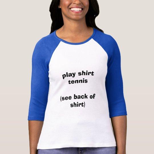 Tenis de la camisa del juego